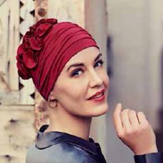 Turbante Oncológico con diseño rojo